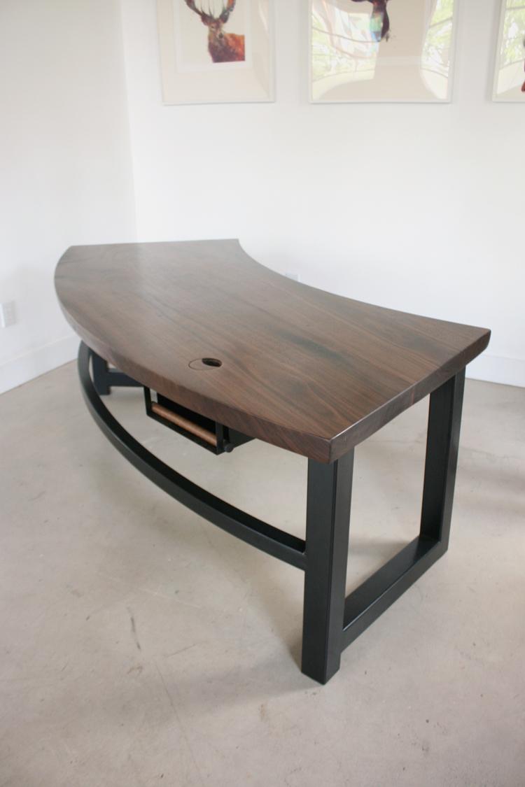 Eileen Desk5